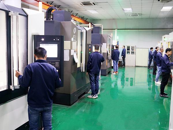 CNC设备操作